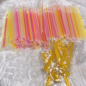 Glow sticks party supplies